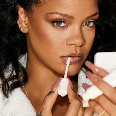 #NEWS: Rihanna Segera Rilis Skincare Bernama 'Fenty Skincare'