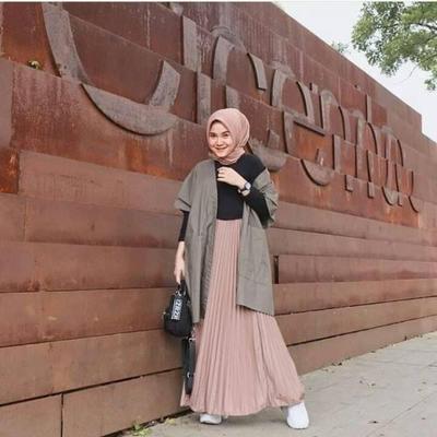 Hijab Style Inspirasi Padu Padan Cardigan Untuk Gaya