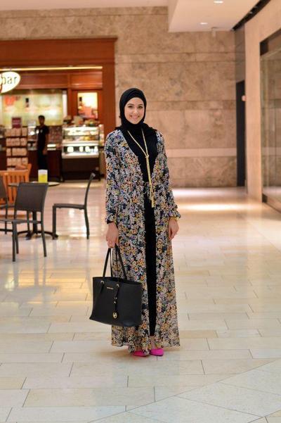 Hijab Style: Inspirasi Padu Padan Cardigan untuk Gaya Layering yang Chic