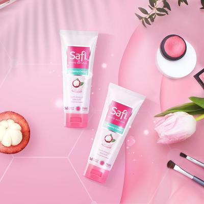 1. Safi White Natural Brightening Cleanser Mangosteen Extract