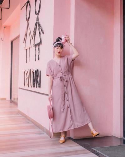 2.Outfit Bernuansa Pink