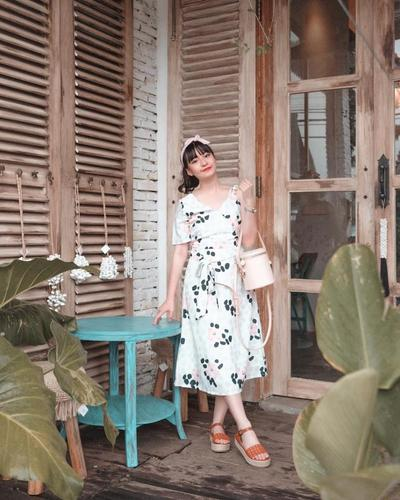 3.Dress Vintage yang Anggun
