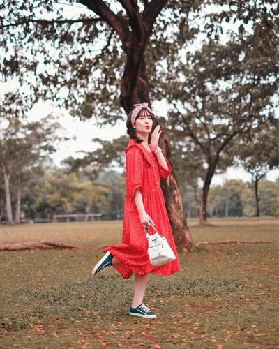 6.	Balon Dress Warna Merah