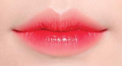 Tutorial: Gradient Lips Korea Versi Glossy untuk Bibir Tampak Lebih Sehat