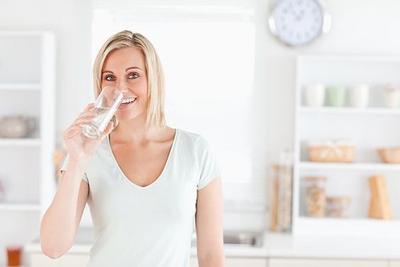 Banyak Mengkonsumsi Air Putih