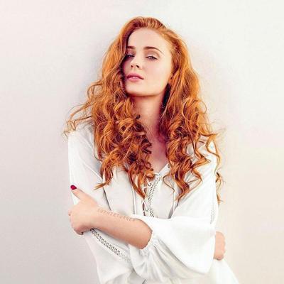 Sexy dalam Rambut Merah