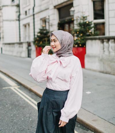 Style Hijabers: Padupadan Atasan Model Lengan Balon yang Cantik Dipakai Saat Lebaran