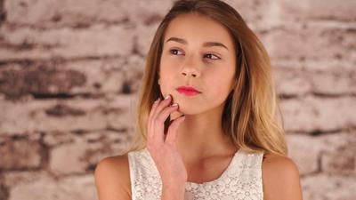 Terapkan 6 Cara Sederhana Ini Agar Wajah Selalu Terlihat Muda