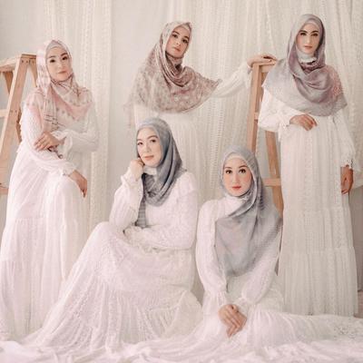 7 Inspirasi Dress Putih untuk Kembali Fitri di Hari Lebaran