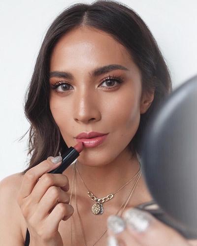 7 Rekomendasi Lipstik Lokal untuk Lembapkan Bibir Saat Puasa