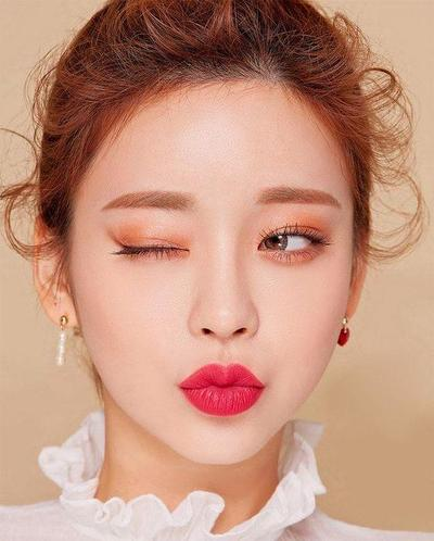 Tips Tampil dengan Makeup Cantik Tanpa Eyeliner