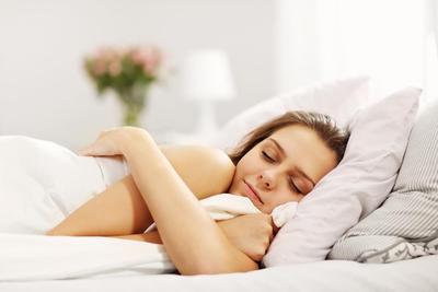 Sstt, Ini Rahasia Kulit Keluarga Sehat Tetap Lembap Walau Tidur di Tempat Ber-AC