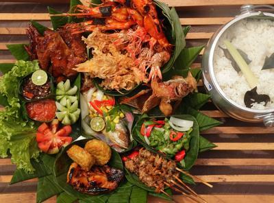Gubug Makan Mang Engking Serpong (Rp 20.000 - Rp 150.000)