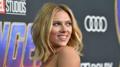 "5 Inspirasi Gaya Rambut dari Scarlett ""Black Widow"" Johansson"