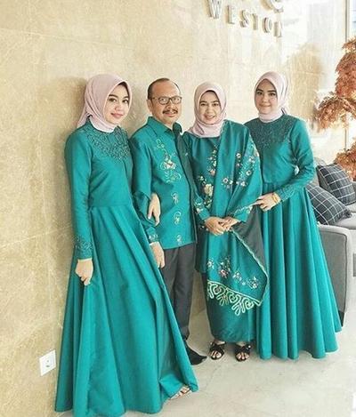 Masih Jadi Tren, Ini 6 Model & Warna Gamis Pilihan Lebaran 2019