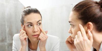 Lakukan Secara Rutin, 4 Cara Alami Ini Efektif Kurangi Keriput di Bawah Mata