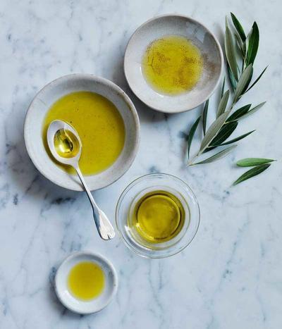 Pijat dengan Olive Oil