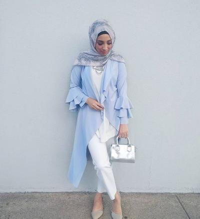 Perpaduan Warna Biru Marian