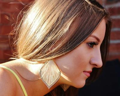 Penampilan Tampak Lebih Tua, Mungkin Kamu Salah Menata Rambut