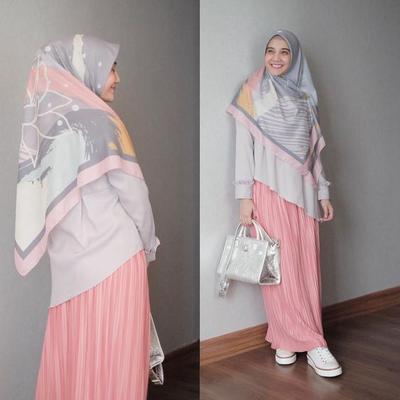 5 Kreasi Hijab Syar'i ala Zaskia Sungkar, Inspirasi Cantik di Bulan Ramadan