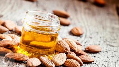 Minyak Almond