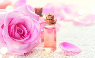 Ini Alasan Mengapa Air Mawar Harus Ada pada Rutinitas Cantikmu