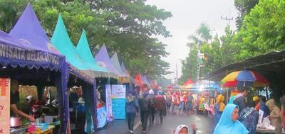 1.Sepanjang Jalan Soekarno-Hatta