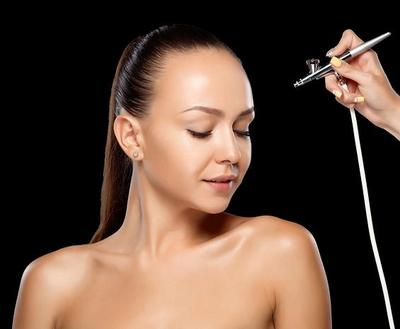 Cara Mengaplikasikan Teknik Airbrushed Makeup