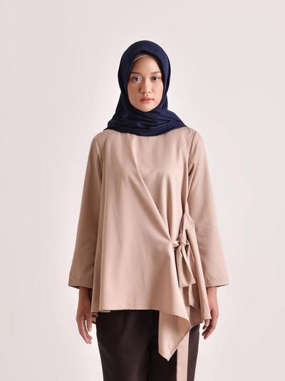 5. Hala Top Plain Dusty Pink