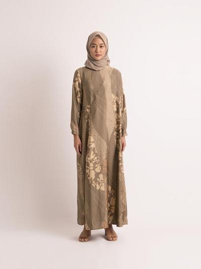 8. Sienna Dress San Dune