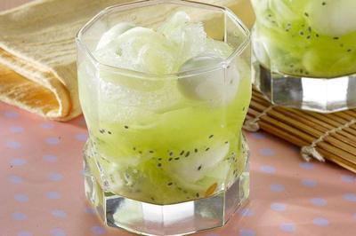 5 Kreasi Minuman Biji Selasih yang Penuh Kesegaran untuk Berbuka Puasa