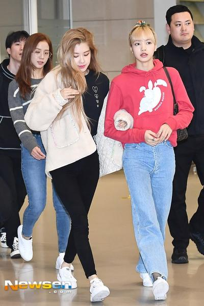 K-pop Style: Inspirasi Gaya Casual yang Stylish Member BLACKPINK di Airport 2019
