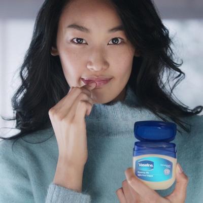 5 Rekomendasi Produk Favorit Vaseline, Nggak Perlu Ragu Pakai!