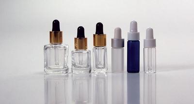 Membawa Kosmetik Berukuran Mini