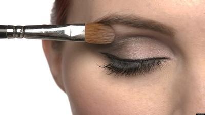 Panduan Pemula: 9 Tips Mudah Memakai Eyeshadow dari Makeup Artist