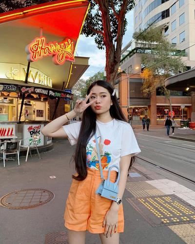 7 Tips Fashion Tubuh Mungil agar Terlihat Lebih Jenjang ala Influencer Nikita Kusuma