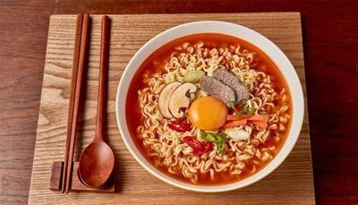 Resep: Kreasi Mie Ramyun Instan Nikmat untuk Isi Perut Tengah Malam