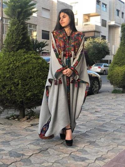 Anggun Hingga Kasual, Sambut Hari Raya Idul Fitri 2019 Tetap Stylish dengan 7 Look Ini