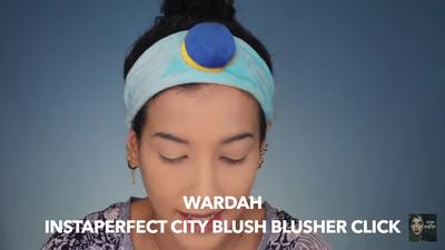 4. Gunakan Wardah Instaperfect City Blusher Click