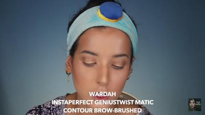 8. Masuk ke Bagian Alis Menggunakan Wardah Instaperfect Geniustwist Matic Contour Brow-Brushed