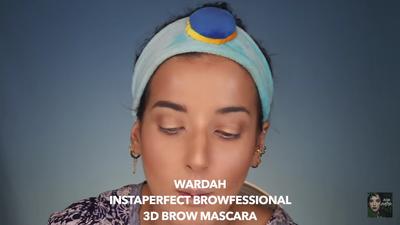 9. Gunakan Wardah Instaperfect Browfessional 3D Brow Mascara