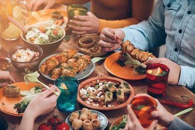 5 Tempat Makan Paling Asyik untuk Reuni Kecil-kecilan Bersama Teman