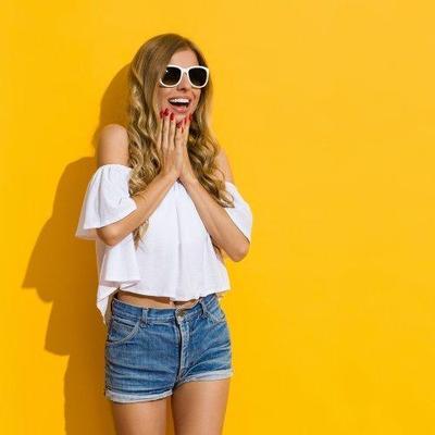 7 Inspirasi Tampil Seru untuk Kamu yang Hobi Pakai Celana Pendek