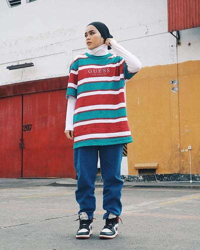 Stripe Shirt dan Track Pants