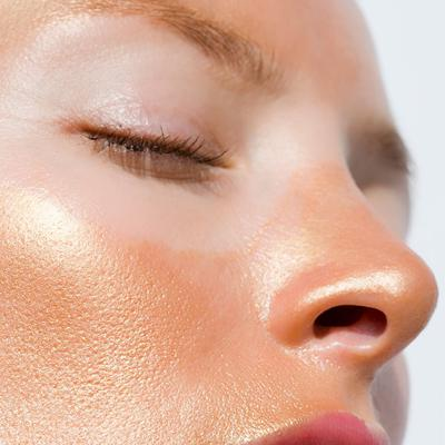 Menurut Dermatolog, Seperti Ini Seharusnya Merawat Kulit Terbakar Matahari