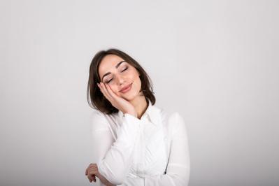 5 Trik Jitu Atasi Rasa Ngantuk Saat Berpuasa