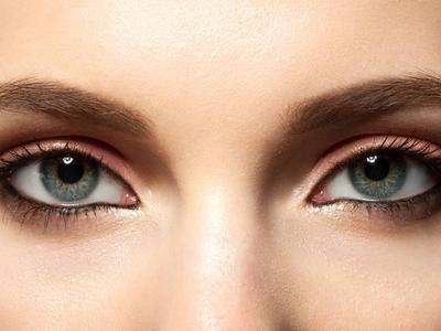 Beauty Tutorial: Cara Membuat Waterline dengan Eyeliner Bak Profesional untuk Pemula