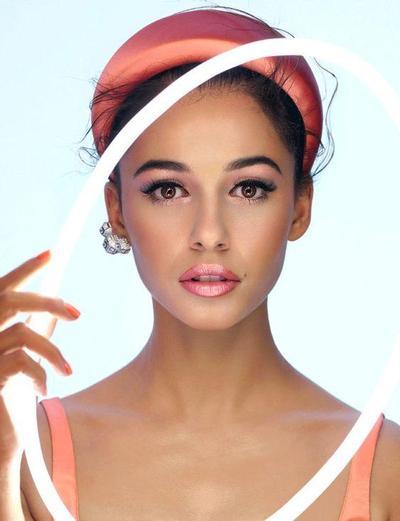 5 Gaya Makeup Cantik Paripurna Naomi Scott, Princess Jasmine yang mencuri Perhatian