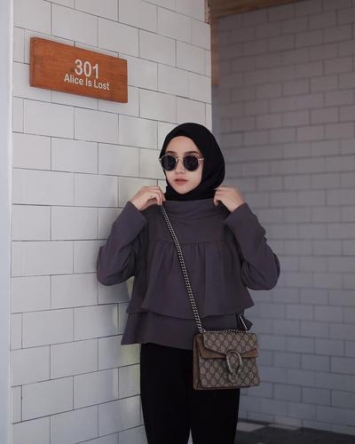 Siap Foto OOTD Hijab, Jangan Lupa Pakai Kacamata Hitam, Lihat Inspirasinya