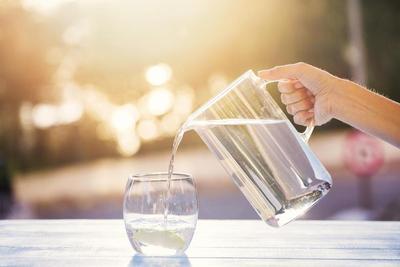 Perbanyaklah Minum Air Putih